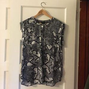 Trouve Tops - Patterned blouse, cute for work!
