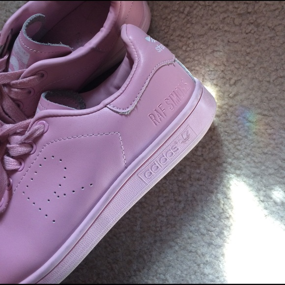 63 off raf simons shoes light pink raf simons x adidas final sale from nelly 39 s closet on poshmark. Black Bedroom Furniture Sets. Home Design Ideas