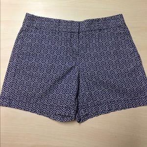 LOFT Pants - Loft Blue Floral Flat Front Shorts // Size 4