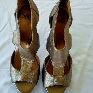 Sofft gold high heel sandals size 8 NWOT