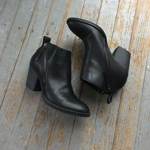 Dolce Vita Shoes - Dolce Vita Black Booties