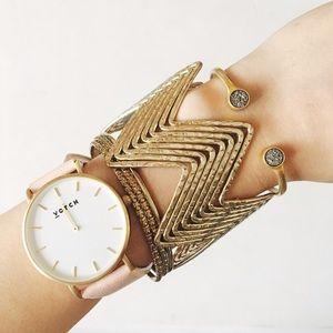 Vintage Jewelry - •isabel• zig zag chevron bangle