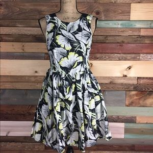 French Connection Dresses & Skirts - French Connection Black White Yellow Floral