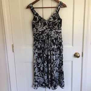 Ann Taylor Dresses - Ann Taylor black and white floral dress