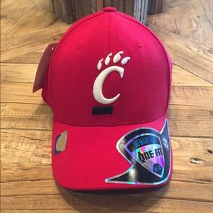Top of the World Other - New Cincinnati Bearcats men's memory foam hat