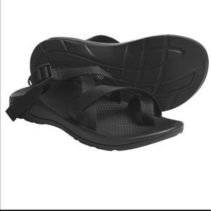 Chacos Shoes - Black chacos
