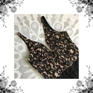 Bardot Tops - Sz S/6 Bardot Black Lace 'Julia' Deep-V Bodysuit