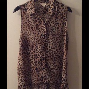 Sans Souci Tops - Sans Souci Animal print blouse size Large!