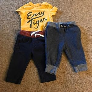 GAP Other - BabyGap 6-12 & 12-18 month outfit