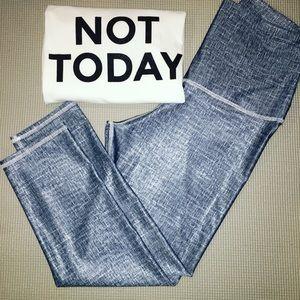 Emily Hsu Designs Pants - 🆕Class Blue & White Capri Leggings