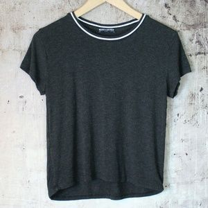 4 for $20✔️ Brandy Melville Crew Neck Cropped Top
