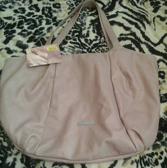 BCBGMaxAzria Handbags - 🆕BCBGMAXAZRIA TOTE/BAG