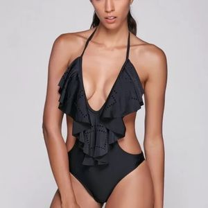 Other - 💕LAST ONE💕💜Black Ruffle Sweet Neck One Piece 💜