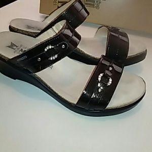 Mephisto Shoes - Mephisto wedge sandals. Size US 7.5/38