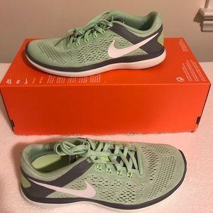 Nike Shoes - Nik Flex 2016 Women's Running Shoes