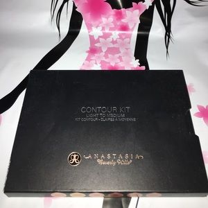 Anastasia Beverly Hills Other - Anastasia contour kit