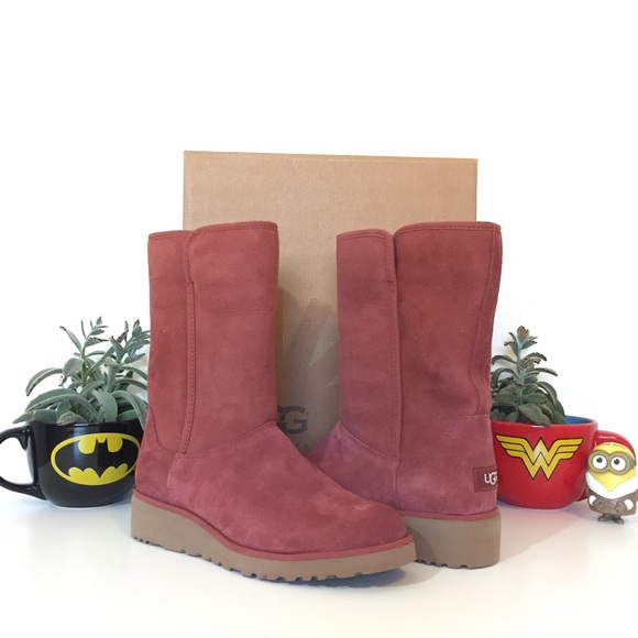3d23f2e6cd9 Ugg Amie Classic Slim Water Resistant Short Boots NWT