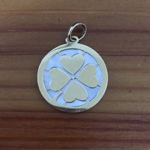 Jewelry - 14K clover hearts MOP pendant