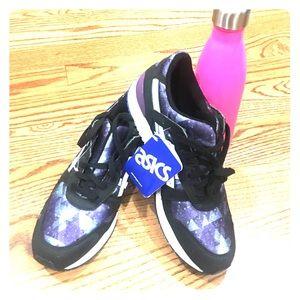 Asics Shoes - NWT ASICS GEL LYTE III RUNNING SHOES Size 6.5
