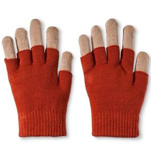 Nwt 3 in 1 Tech Gloves in color: Rust.  OSFA