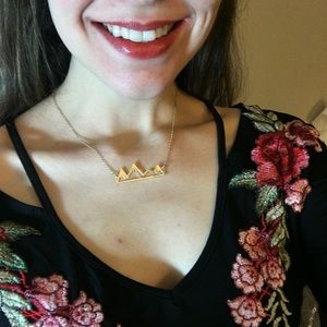 ModCloth Jewelry - Gold mountain range necklace