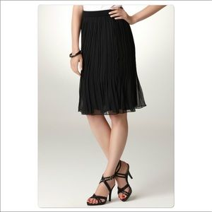 Nwt Black pleated skirt in Large by Sunny Leigh