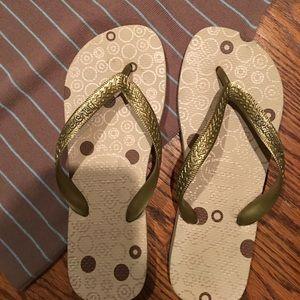 Havaianas Shoes - Havaianas Gold Flip Flop!