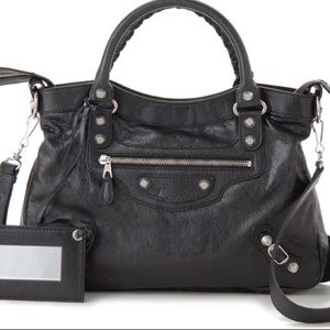 Balenciaga Handbags - Balenciaga black town bag