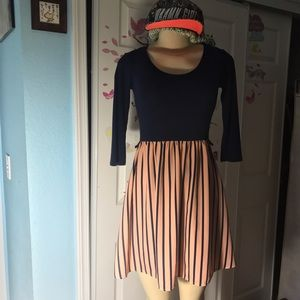 a'gaci Dresses & Skirts - A'GACI:|mid-sleeved Blue&Coral PinStriped DRESS.M.