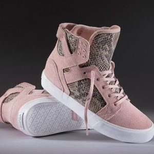 Supra Shoes - Elyse Walker / Supra - Skytop Wedge Sneaker