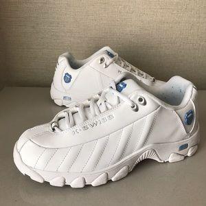 K-Swiss Shoes - Women's K-Swiss ST329