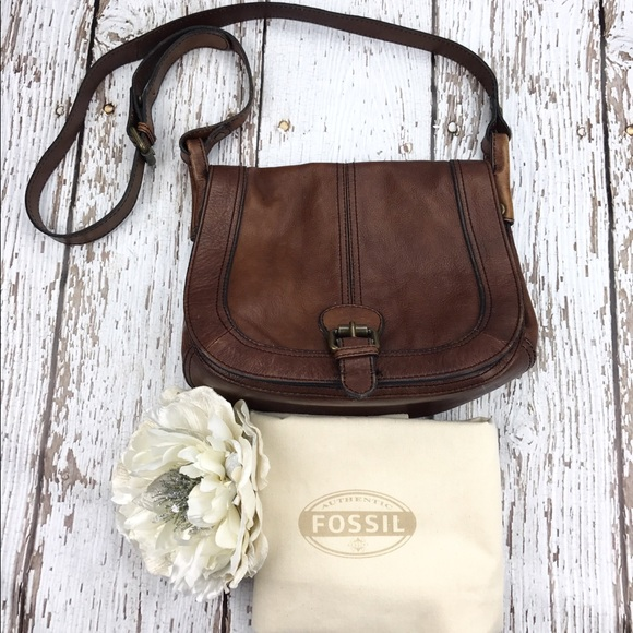 Fossil Handbags - 💕SALE💕Fossil Leather Crossbody Bag