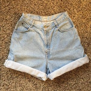 Vintage high waisted light wash shorts