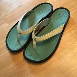 Olukai Shoes - Olukai sandals, size six.