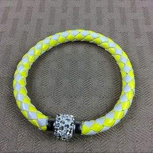 Jewelry - New Yellow and White Magnetic Bracelet