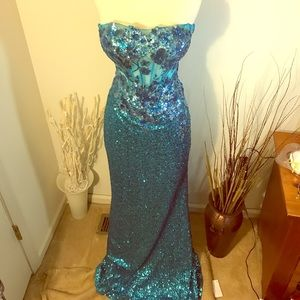 PROM!! Faviana Glamour Blue Sequin Formal Gown