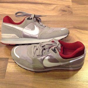 Nike Other - Classic Retro Nike size 12