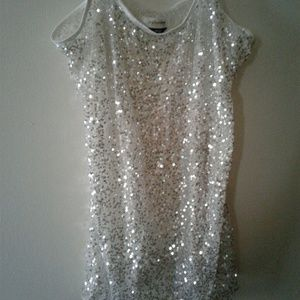 anchor blue  Tops - NWOT SEQUINED WHITE TANK SIZE XL