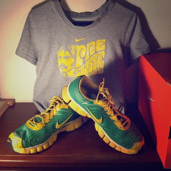 69 Off Nike Other Nike Vintage T And Shoe Bundle Oregon