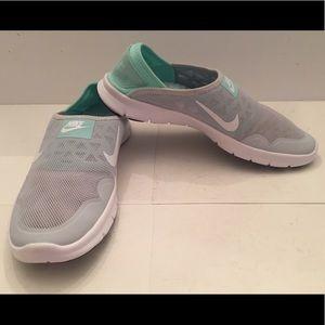 NWOT Nike Dual Ride System casual shoe.