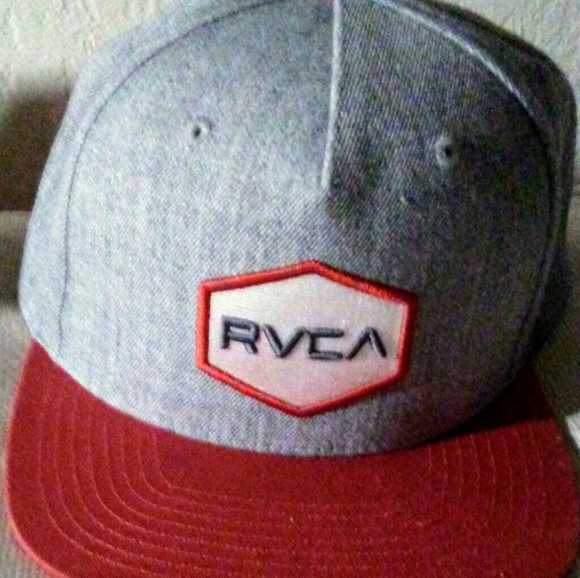 free shipping 49628 6c6cc RVCA mens gray and red snapback hat. M 58fe34b66a5830d5bc00de92