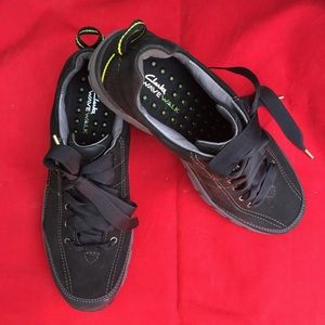 CLARKS WATERPROOF WAVEWALK TENNIS SHOE 9.5 worn 1x