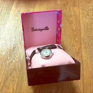 BNWT Betseyville Watch