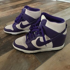 PRICE DROP! Nike Dunk Sky Hi - Women's || Size 9