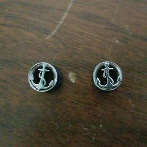 Hot Topic Jewelry - 0 gauges