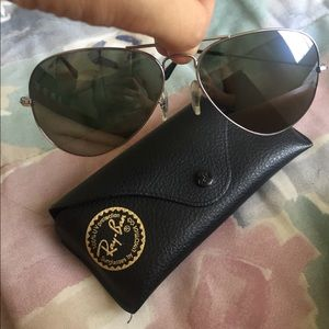 Ray-Ban Accessories - Authentic Ray Ban Aviators large RB3025 unisex