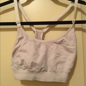 Under Armour Other - Cute under armour sports bra!