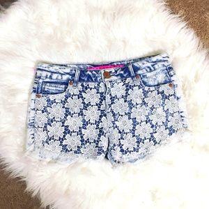 Tinseltown Pants - Floral Lace Jean Shorts