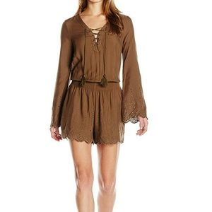 Jessica Simpson Other - Jessica Simpson Scalloped Hem Embroidered Romper