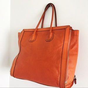 c73e091e02c2 Givenchy Bags - Givenchy Antigona Side Zip Tote 💥